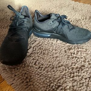 Women's size 7 Nike Airmax
